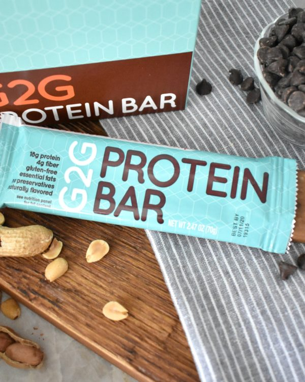 peanut-butter-chocolate-chip-organic-protein-bar-002