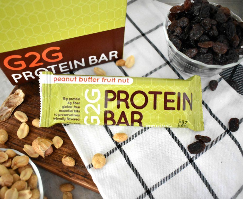 peanut-butter-fruit-nut-organic-protein-bar-002