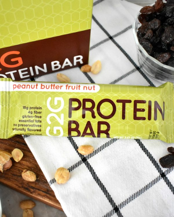 peanut-butter-fruit-nut-organic-protein-bar-002